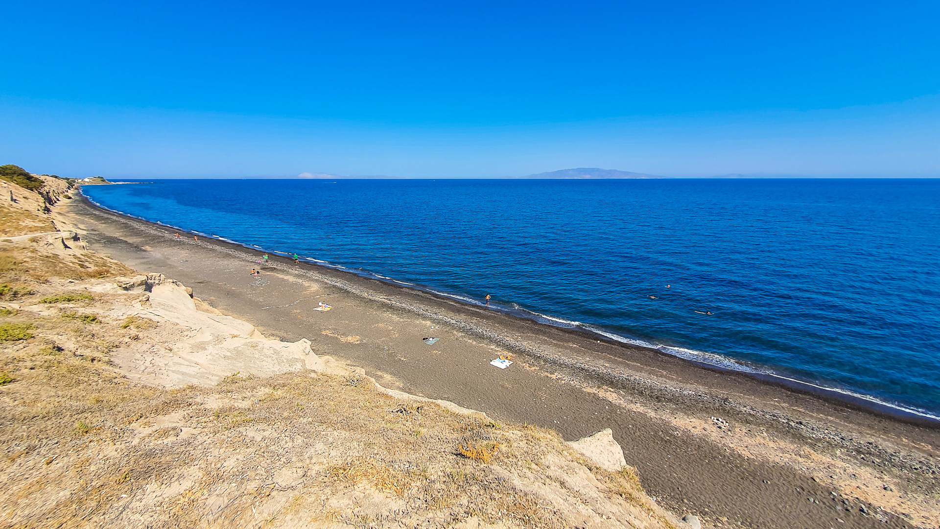 Wide view of the Baxedes Beach
