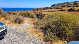 Unmarked path to Koloumbos Beach