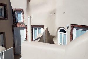 cave-houses-oia-ac1