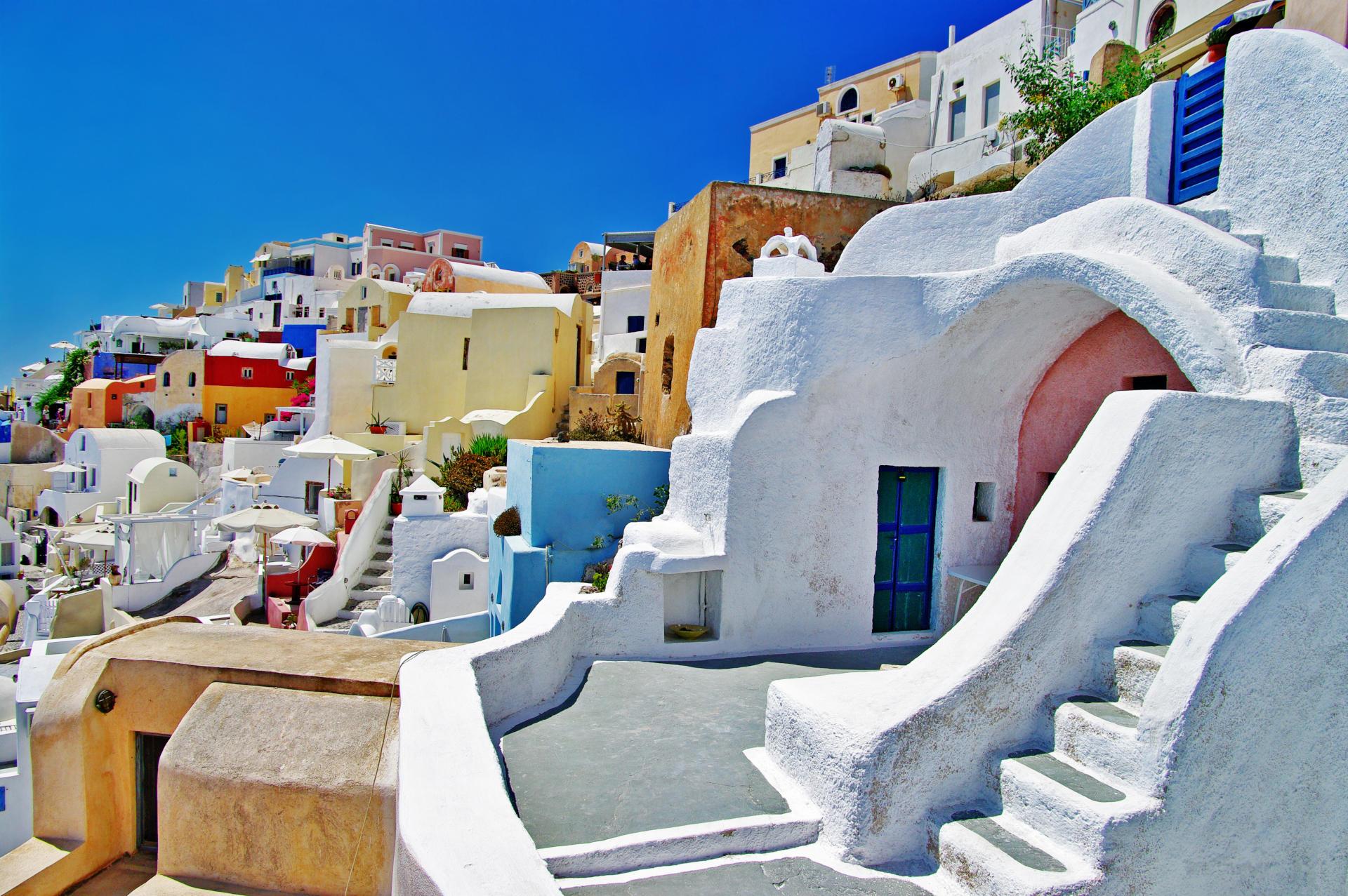 cave-houses-oia-fpk1